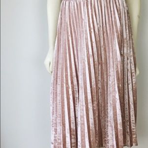 Woman's Small size Blush Pink Velvet Pleated Skirt
